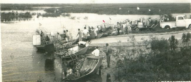 Vintage_Airboats_at_Andytown_1964